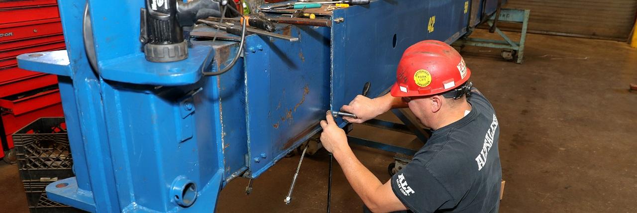 ALT offers a 14-point boom truck inspection
