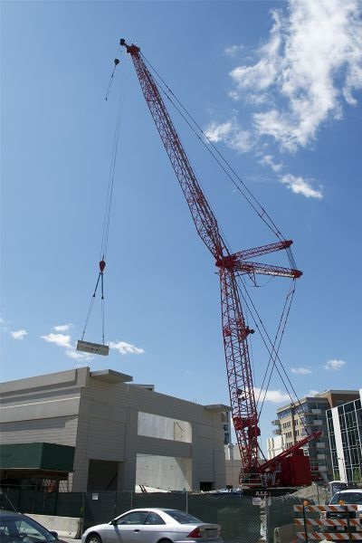 MLC300 Fits Into Chicago Job Site Other Crawlers Could Not Access