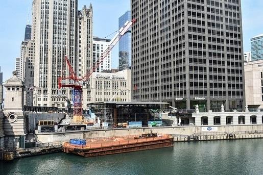 Potain crane working on Apple store in Chicago.